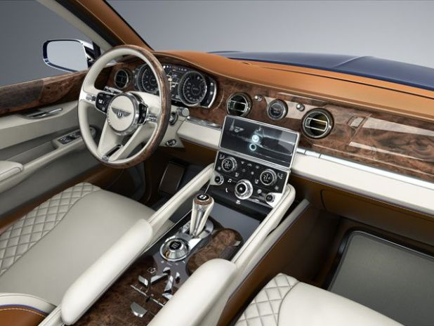 2019 Rolls Royce Cullinan interior