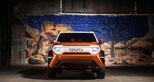 2018 Toyota FJ Cruiser front