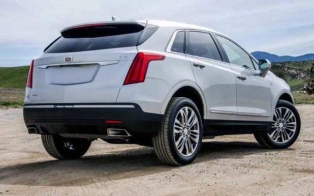 2019 Cadillac XT7 rear view