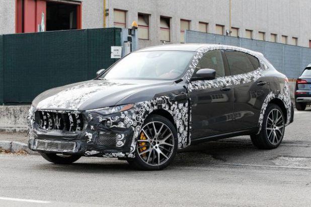 2018 Maserati Levante GTS side