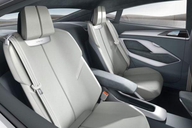 2019 Audi Q6 seats