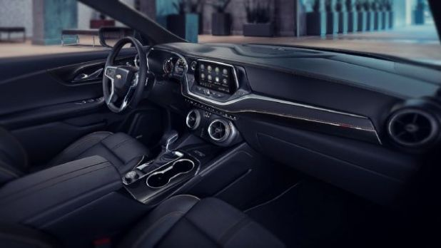 2019 Chevrolet Blazer interior