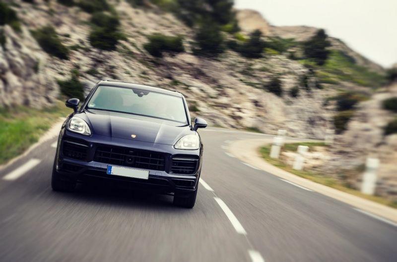 2019 Porsche Cayenne E-Hybrid MPG, Review, First Drive ...