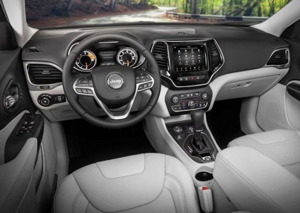 2020 Jeep Grand Cherokee interior