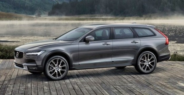 2019 Volvo XC70 side view
