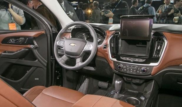 2020 Chevrolet Suburban interior