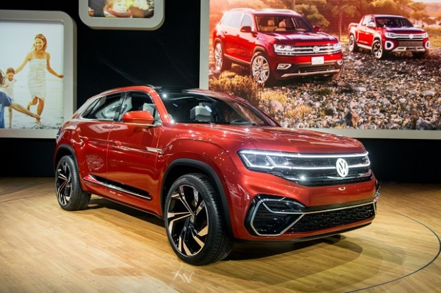 2020 VW Atlas front view