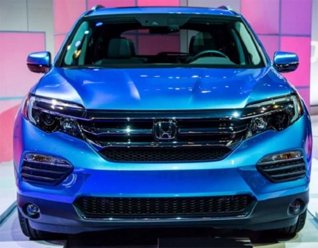 2020 Honda Pilot front view