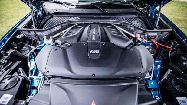 2020 BMW X5M engine