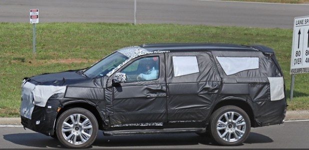2020 Chevy Tahoe spy shots