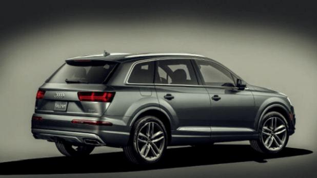 2020 Audi Q7 rear view