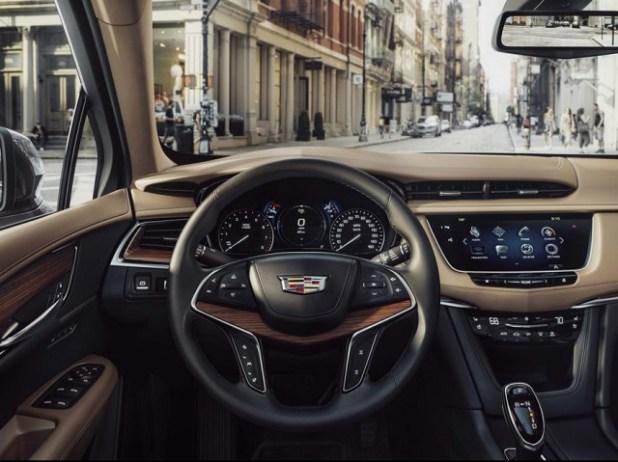 2020 Cadillac XT5 interior