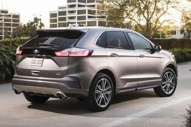 2020 ford edge rear view