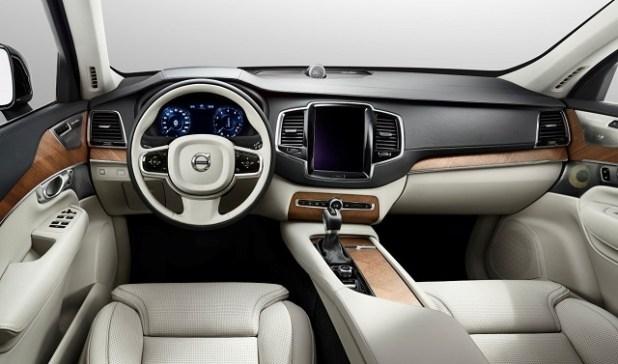 2020 Volvo XC40 interior