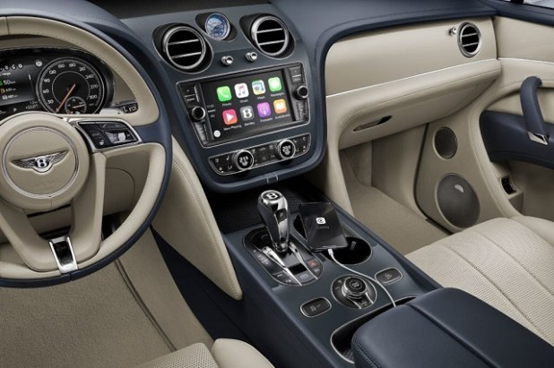 2020 Bentley Bentayga interior