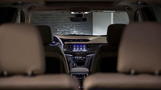 2020 Cadillac XT6 interior