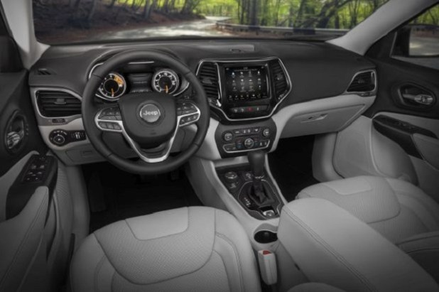 2020 Jeep Cherokee interior