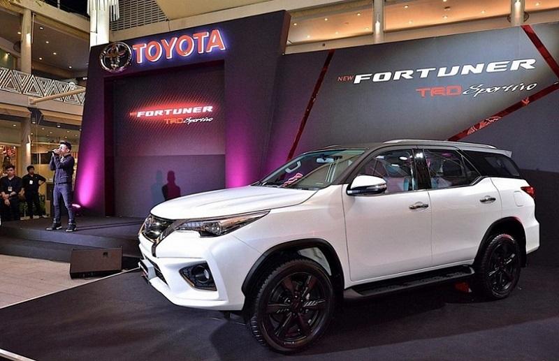 2020 toyota fortuner facelift  interior