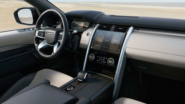 2021 Range Rover Discovery interior