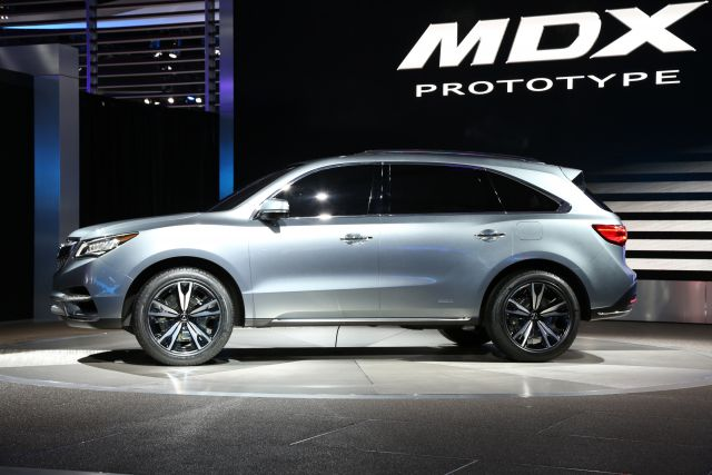 2019 Acura MDX side