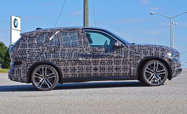 2019 BMW X5 side