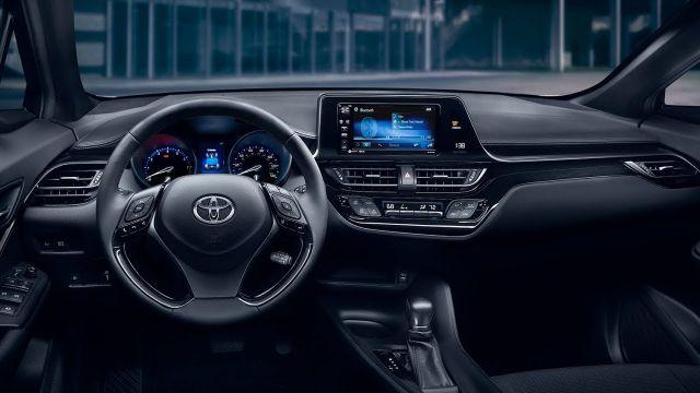 2019 Toyota C-HR interior