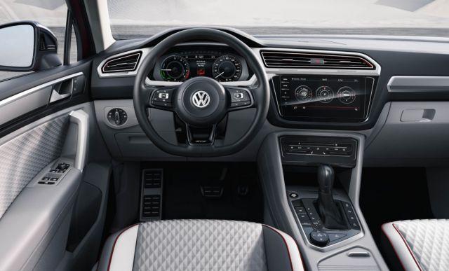 2019 VW Tiguan GTE Active interior