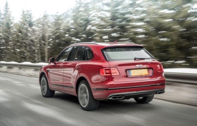 2019 Bentley Bentayga rear