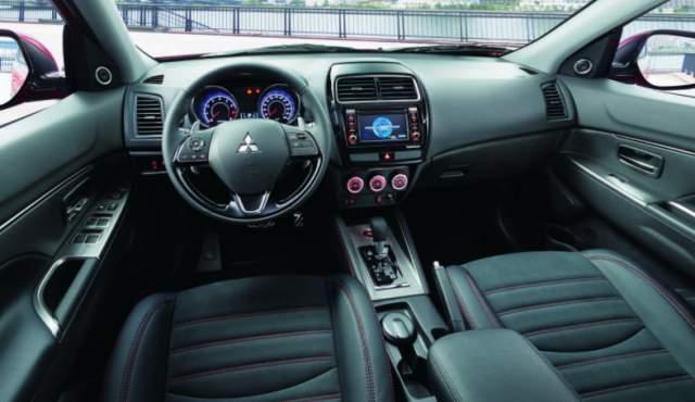 2019 Mitsubishi ASX interior