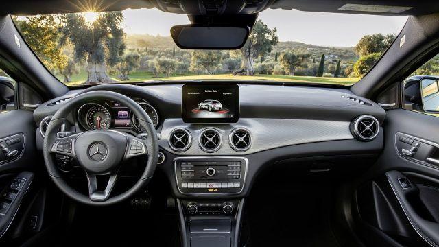 2019 Mercedes-Benz GLA interior