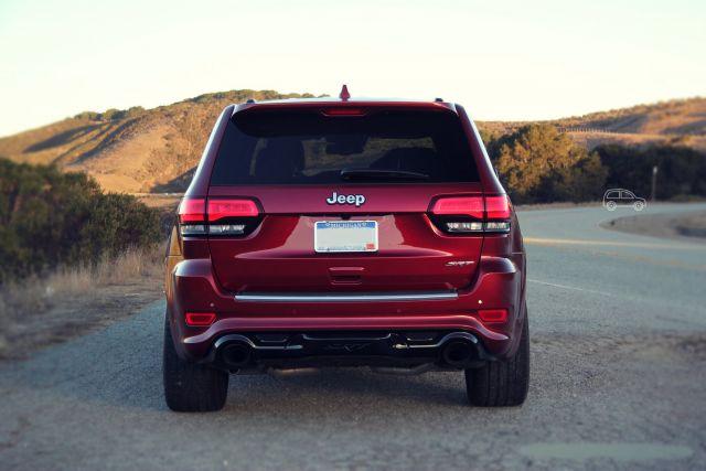 2019 Jeep Grand Cherokee SRT rear look