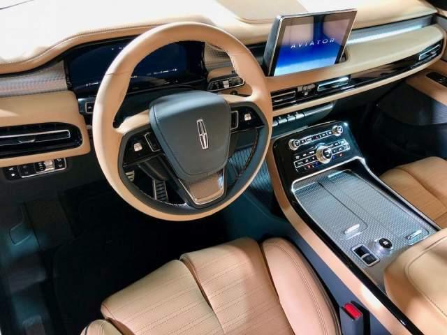2019 Lincoln Aviator interior