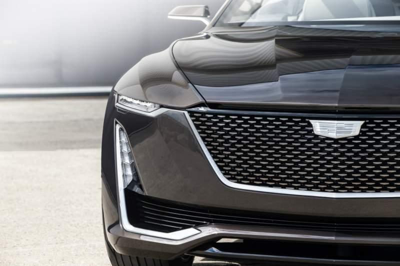 2020-Cadillac-Escalade-grille.jpg