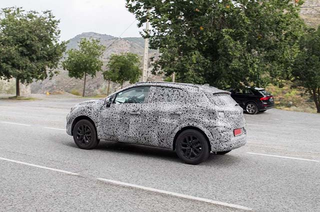 Renault Captur 2020 spy photos
