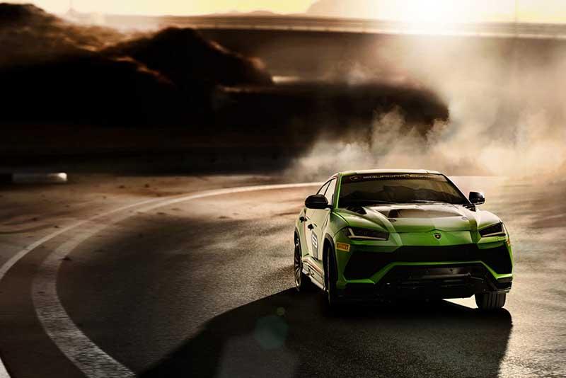 2020-Lamborghini-Urus.jpg