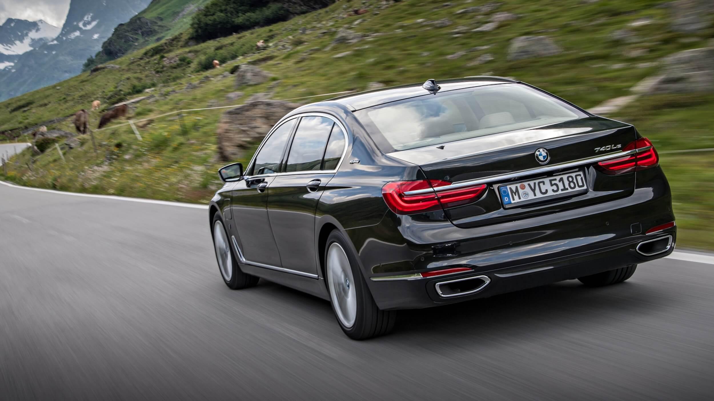 2020 BMW 740Le Specs
