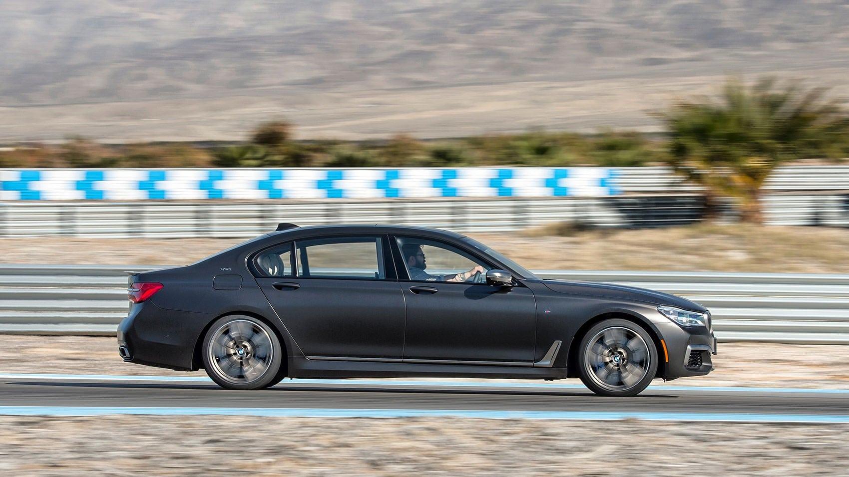 2020 BMW M760Li Engine