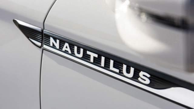 2019 Lincoln Nautilus badge