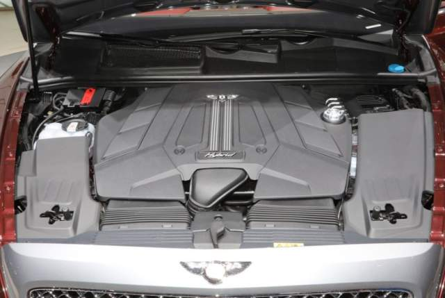 2019 Bentley Bentayga Plug-In Hybrid engine