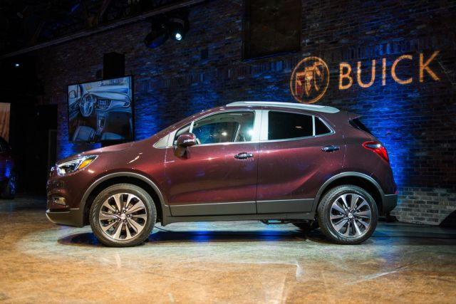 2019 Buick Encore side