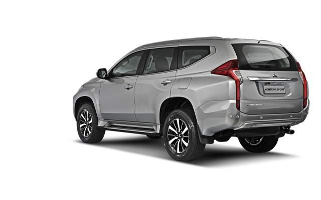 2019 Mitsubishi Montero sport rear