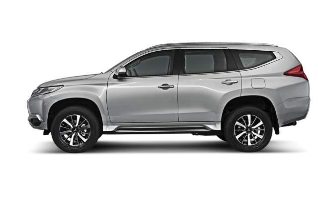 2019 Mitsubishi Montero sport side