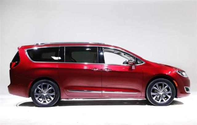 2019 Chrysler Aspen SUV Pacifica Minivan