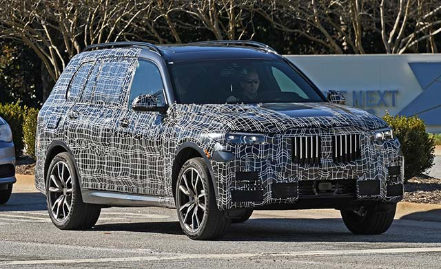 2019 BMW X7 spy shot