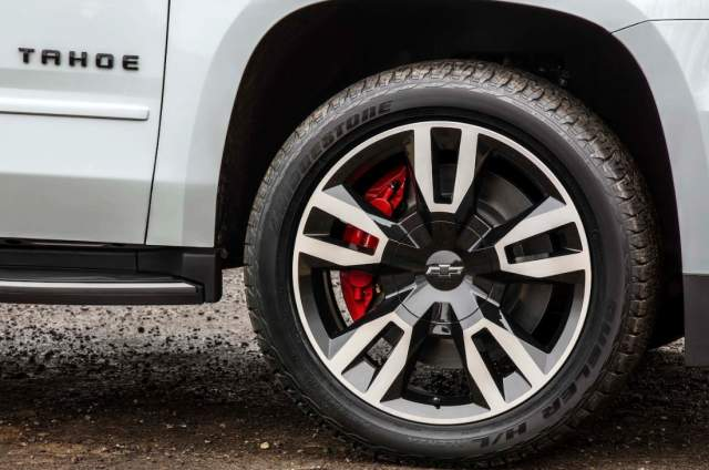 2019 Chevy Tahoe Premier Plus wheels