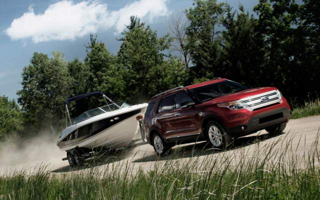 TOP 10 Luxury SUVs for towing