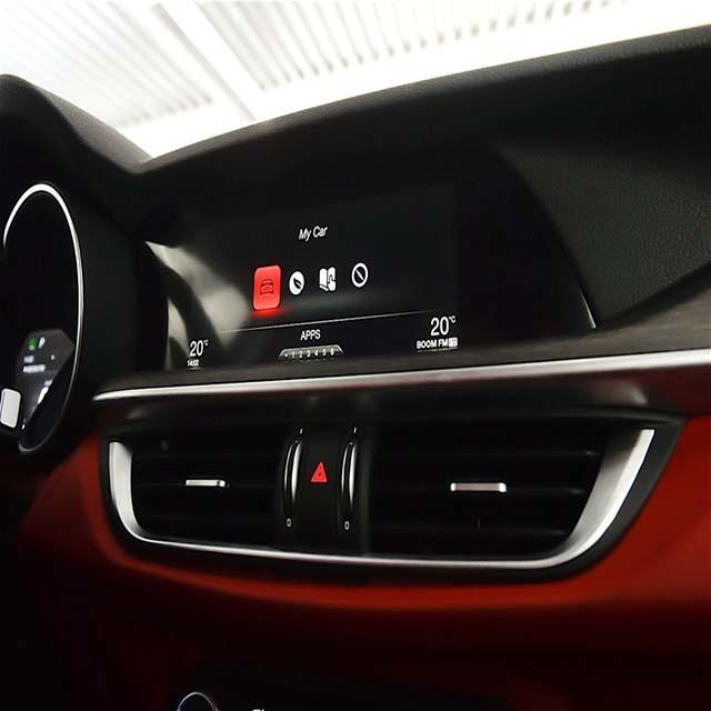 2020 Alfa Romeo Stelvio Interior