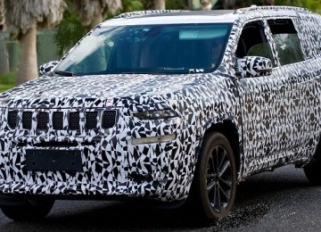 2020 Jeep Grand Wagoneer spy photo
