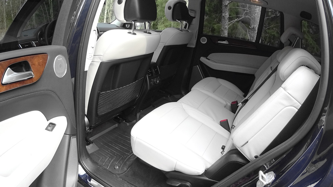mercedes-gls-rear-seat