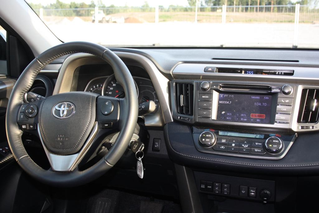 2013 Toyota RAV4 Interior Dashboard